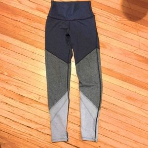 Aerie | Chill- Play- Move Colour Block XS leggings